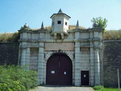 Pevnostní systém Komárno foto