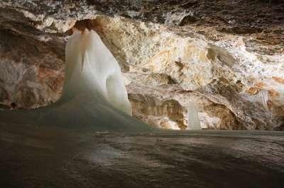 Dobšinská ledová jeskyně foto
