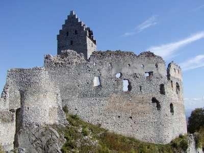 Topoľčiansky hrad foto