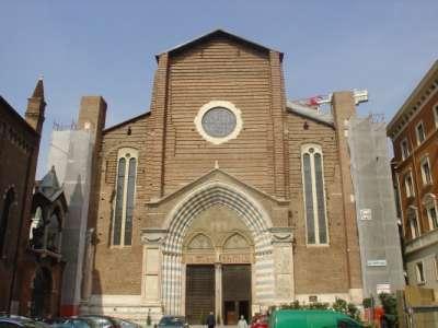 Kostel Svaté Anastazie ve Veroně foto