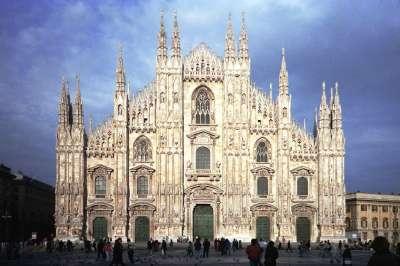 Katedrála dóm v Miláně foto