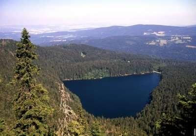 Černé jezero foto