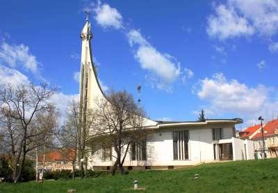 Kostel sv. Václava s kaplí sv. Anežky České Hustopeče foto