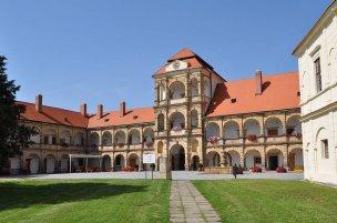 Zámek Moravská Třebová foto