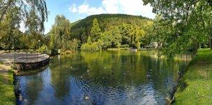 Výhled na jezero a okolí