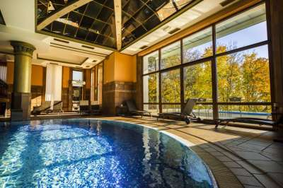 Vnitřní wellness - bazén
