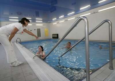 Vnitřní bazén - skupinové cvičení v bazénu s fyzioterapeutem