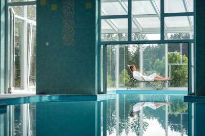 Vnitřní bazén s neopakovatelným výhledem