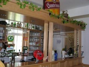 Bar a posezení