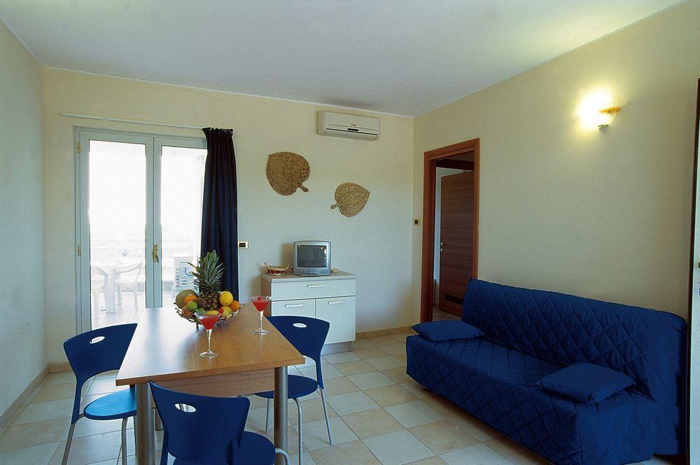 Elena club resort aparthotel silvi marina for Aparthotel corse