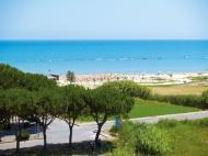 Pohled na pláž a moře v Silvi Marina