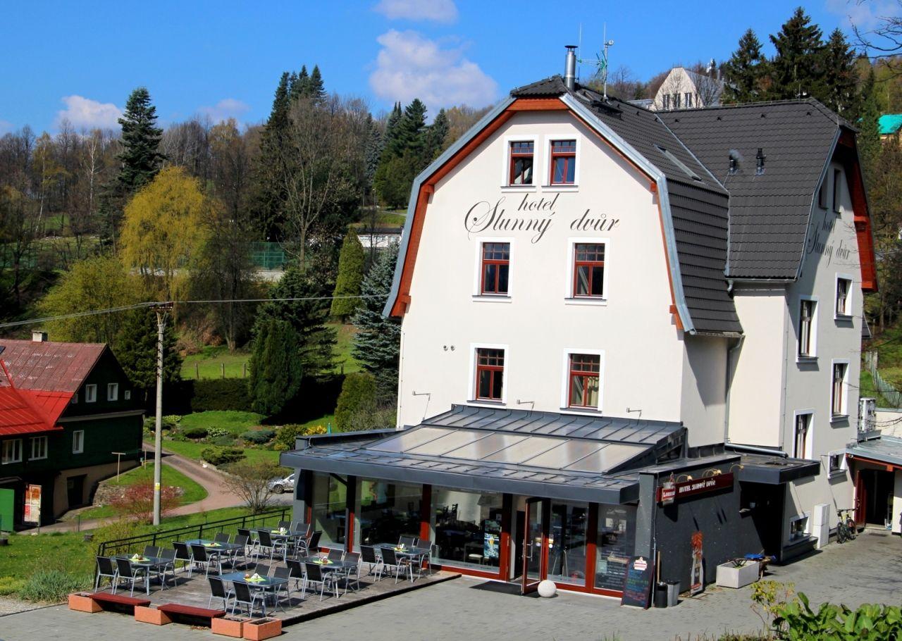 Hotel Slunný Dvůr