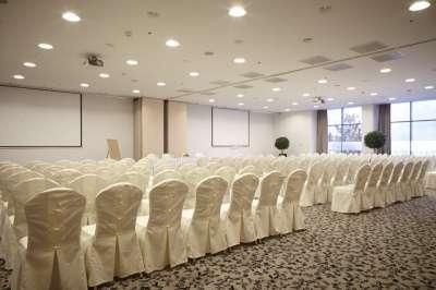 Svatba v konferenční místnost