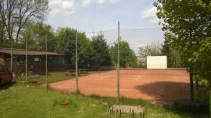 Pohled na tenisový kurt