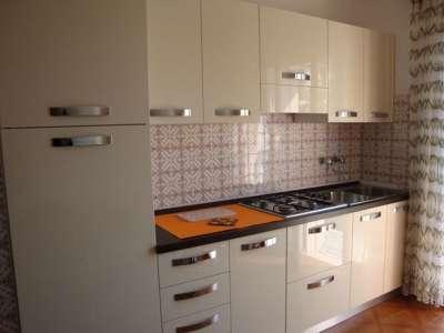 Kuchyňky jsou ve všech apartmánech stejné