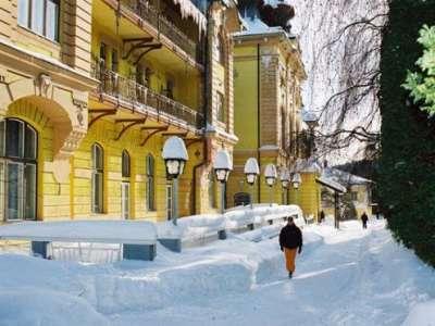 Zimní pohled na Hotel Astória**/***