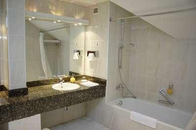 Koupelna v pokoji typu Superior
