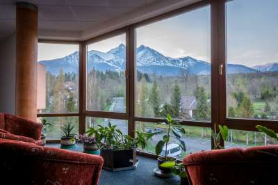 Společný prostor s výhledem na hory