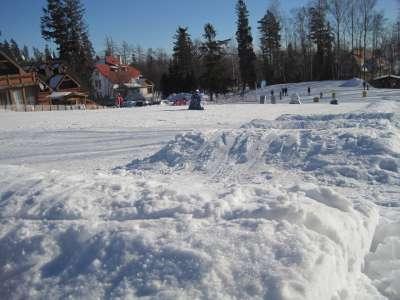 Dětská lyžařská školka u hotelu Morava