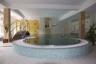 Vnitřní vyhřívaný bazén