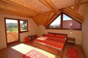 Dvoulůžkový pokoj - červený