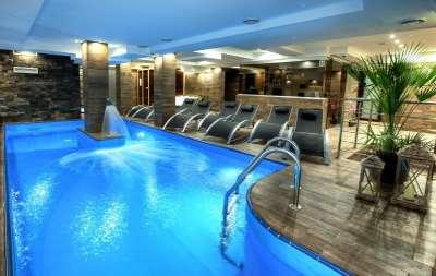 Bazén ve wellness