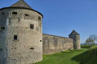 Klášterní pevnost Bzovík  foto