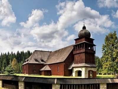 Dřevěný artikulární kostel Svätý Kríž foto