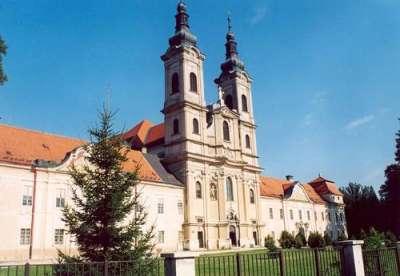 Jasovský klášter foto