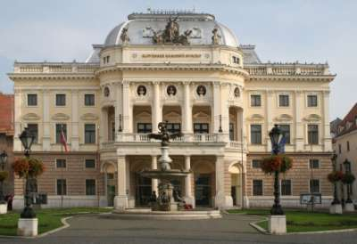 Slovenské národní divadlo foto
