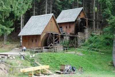 Zlatorudné mlýny ve Zlatých Horách foto