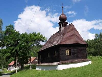 Dřevěný kostel sv. Jana Nepomuckého v Klepáčově foto