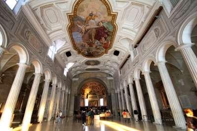 Bazilika sv. Petra v řetězech foto