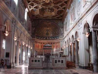 Kostel San Clemente foto