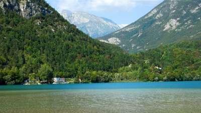 Lago di Cavazzo foto
