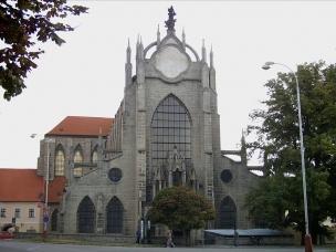 Historické jádro Kutné Hory s chrámem sv. Barbory a katedrálou Nanebevzetí Panny Marie v Sedlci foto