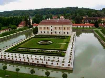 Státní zámek Kratochvíle foto