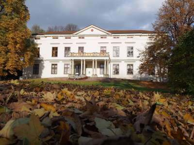 Zámek a park v Lešné u Valašského Meziříčí foto