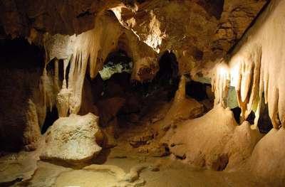 Jeskyně Na Pomezí foto