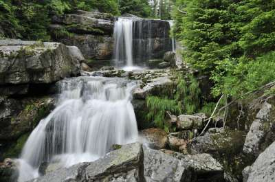 Údolí Jedlový Důl s vodopády Jedlová foto