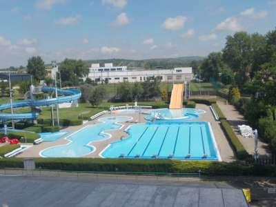Koupaliště a krytý bazén Hustopeče foto