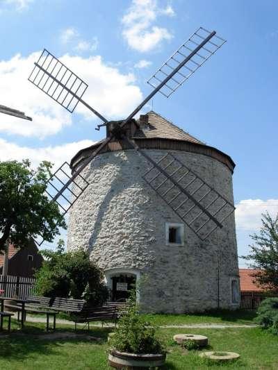 Větrný mlýn Rudice foto