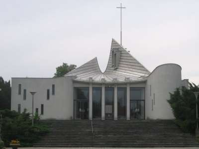 Kostel sv. Josefa Senetářov foto