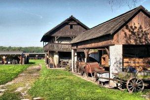 Skanzen lidové architektury Přerov nad Labem  foto