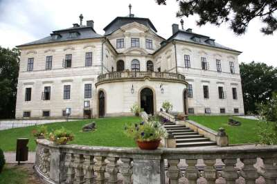 Zámek Karlova Koruna foto
