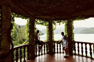 Z hotelu je krásný výhled na jezero