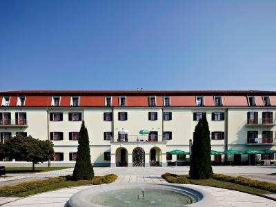 HOTEL IZVIR foto