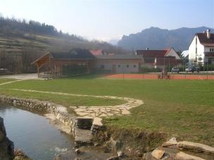 Výhled na hotel a okolí