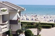 Rezidence se nachází přímo u moře