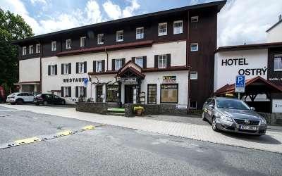 HOTEL OSTRÝ foto